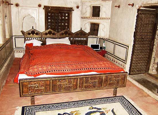 Narayan Niwas Castle jhunhjun single bedroom view