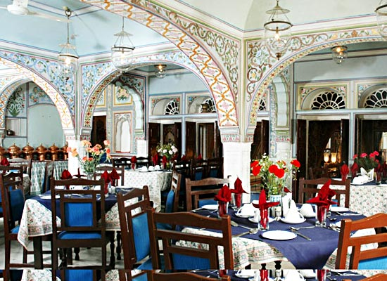 castle mandawa hotel dining room
