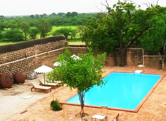 Chandelao Garh Jodhpur pool view