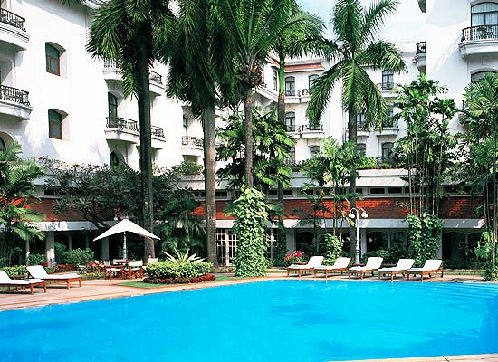 Oberoi Grand kolkata poolside