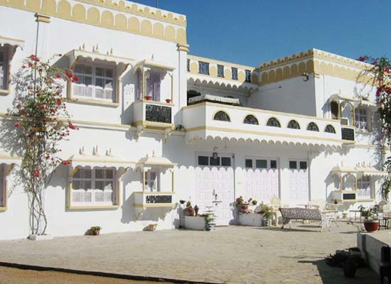 Garden Palace Hotel Gujarat Outside