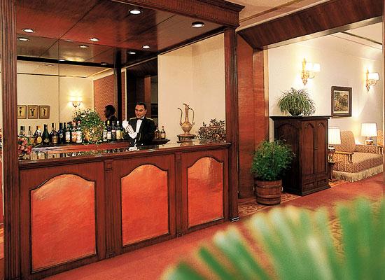 Clarkes Hotel shimla living room