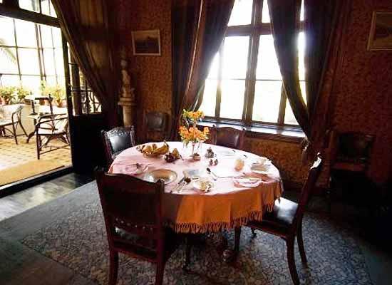 Chapslee shimla living area