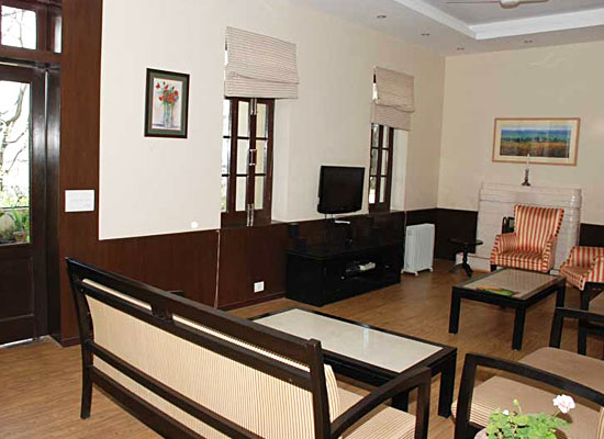 Hotel Alasia kasauli living area