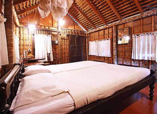 Keraleeyam Heritage Home and Ayurvedic Resort Alleppey Room
