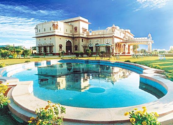 Basant Vihar Palace Bikaner Poolside