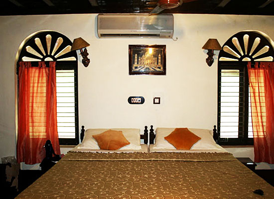Emerald Isle Heritage Home alleppey bedroom view
