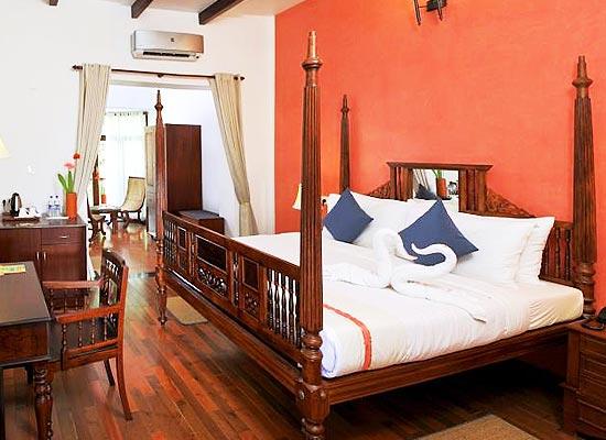 Poovath Hotel Kochi Room