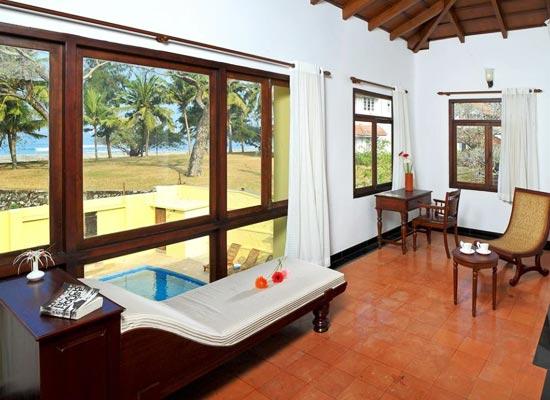 Poovath Hotel Kochi Sitting