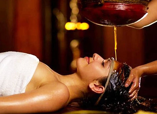 Ayurveda treatment at Kumarakom Lake Resort Kerala