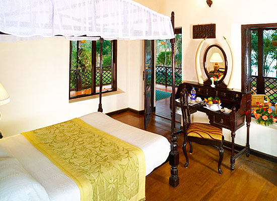 Lake Palace thekkady bedroom