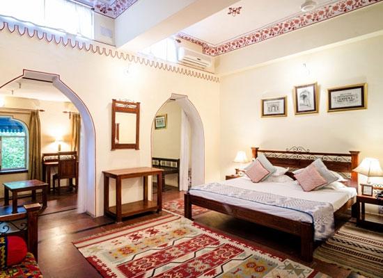 Hotel Diggi Palace jaipur bedroom