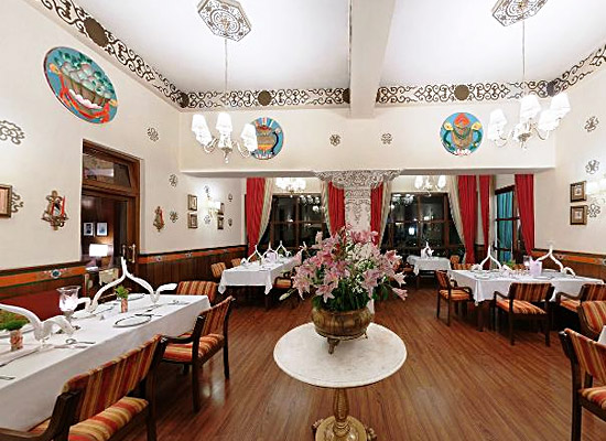 Hotel Nor Khill gangtok dining area