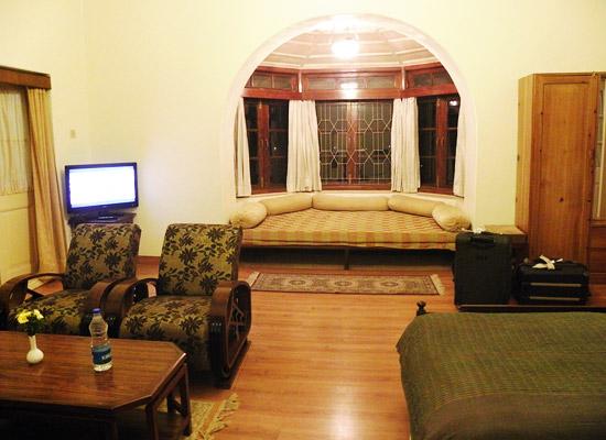 Hotel Padmini Nivas mussoorie sitting area