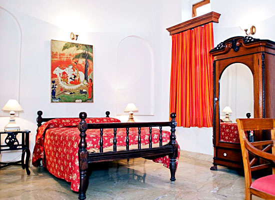 Hotel Baradari Palace patiala bedroom