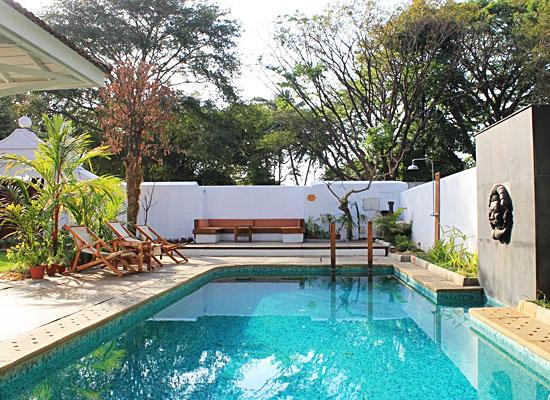 Hotel Le Colonial kochi pool view