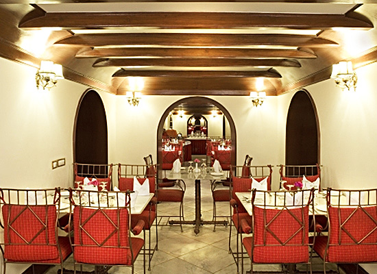 Hotel Sariska Palace alwer dining area