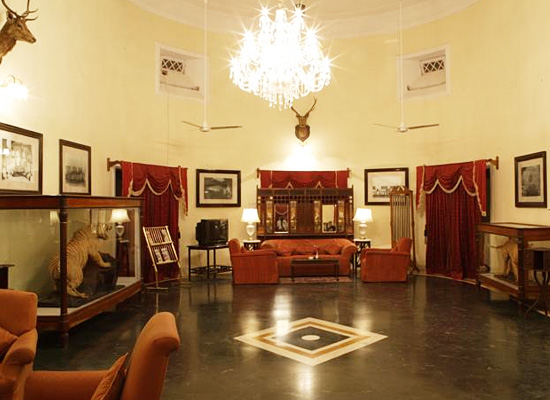 Hotel Sariska Palace alwer living room