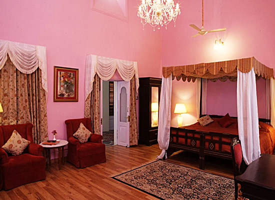Hotel Sariska Palace alwer bedroom