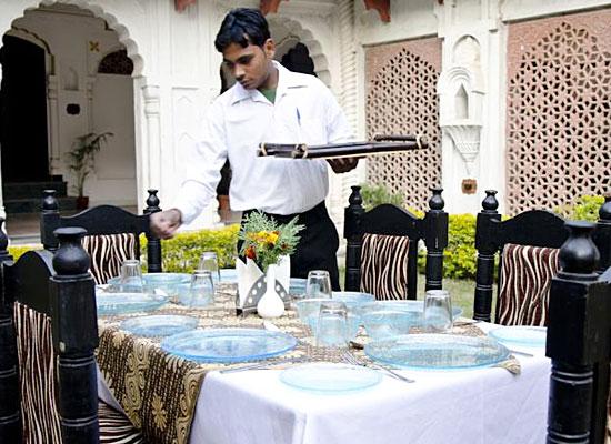 Hammeer Garhi Heritage Resort Khajuraho Dining