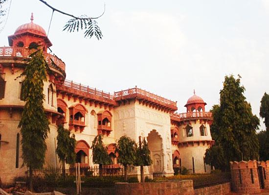 Hammeer Garhi Heritage Resort Khajuraho Outside View