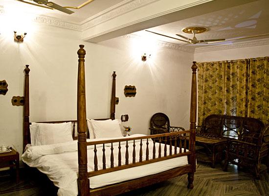 Hammeer Garhi Heritage Resort Khajuraho Room