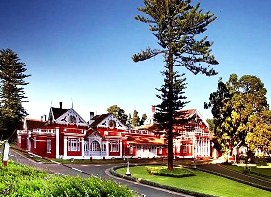 Ferrnhills Royale Palace Ooty Outside View