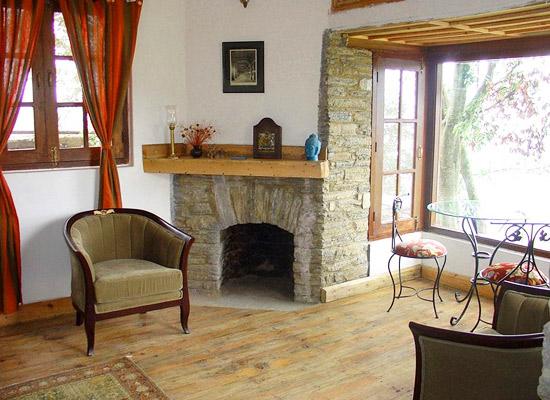 Bobs Palace Nainital Sitting