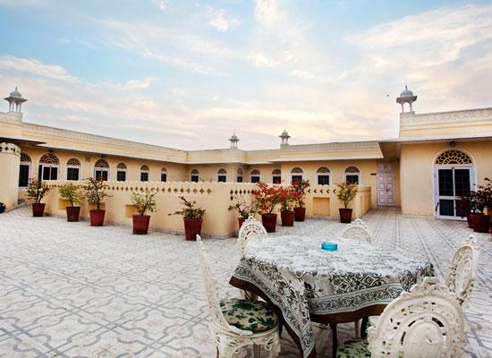 Alsisar Haveli Hotel Jaipur Facade