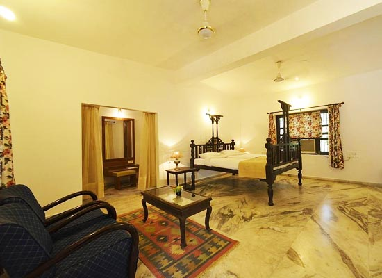 A Home for Nature Lovers Vadodara Room
