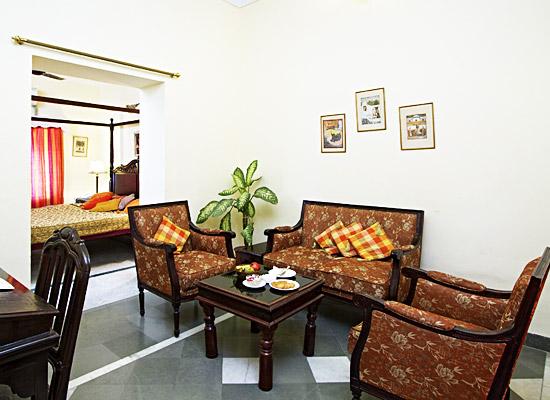 chirmi palace hotel jaipur living area