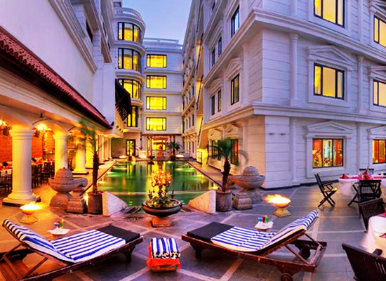 Anandha Inn Pondicherry Poolside