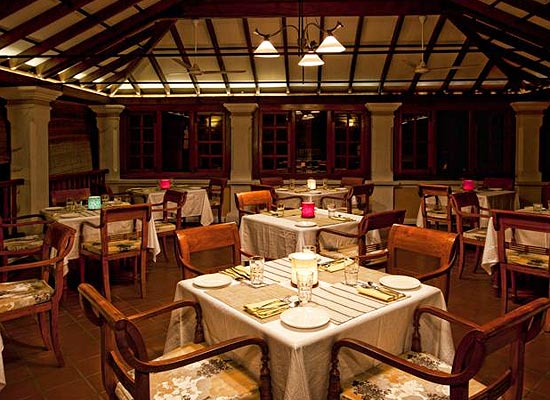 Restaurant at Palais de Mahe Pondicherry