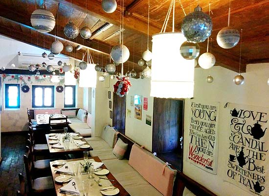 Rokeby Manor Hotel mussoorie dining area view