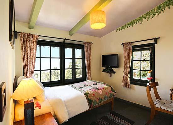 Rokeby Manor Hotel mussoorie bedroom