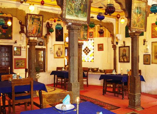Haveli Braj Bhushan Ji Ki Bundi Dining Area