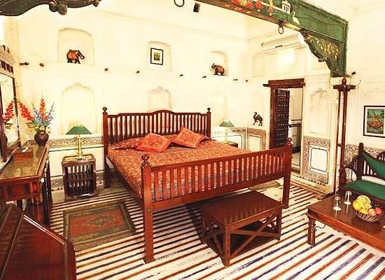 Mandawa Haveli Jaipur bedroom