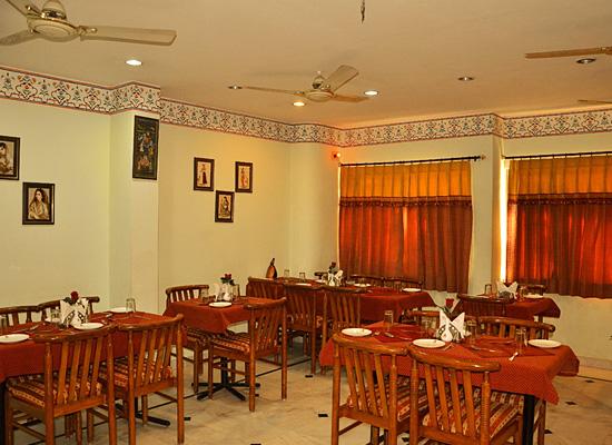 Hotel Sarang Palace jaipur sitting area