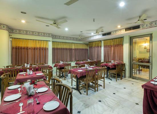 Hotel Sarang Palace jaipur dining room
