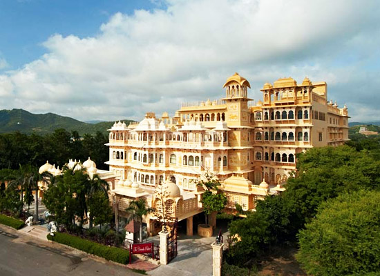 Chunda Palace udaipur facede