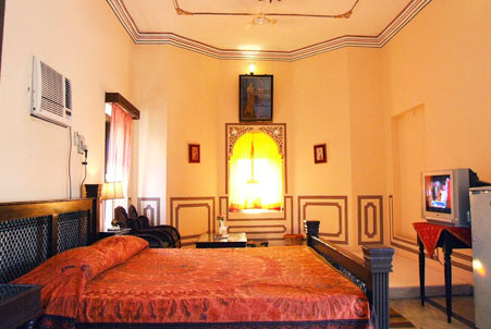 Hotel Heritage Mandawa shekhawati bedroom side view