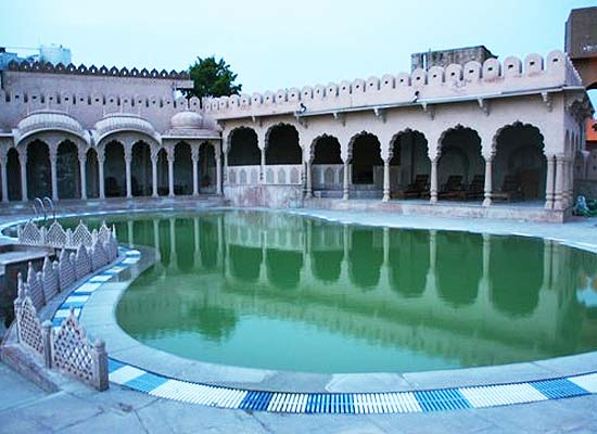 Pushkar Bagh Swimming Pool