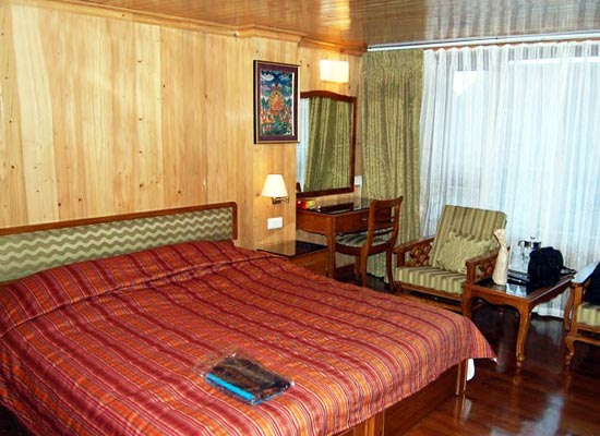 Dekeling Resort darjeeling bedroom