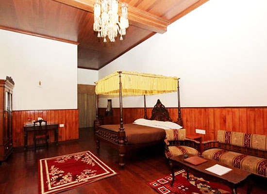 Kluney Manor Ooty Room