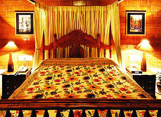 Lymond House Ooty bedroom