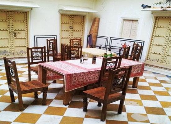 lal mahal palace jaipur sitting area