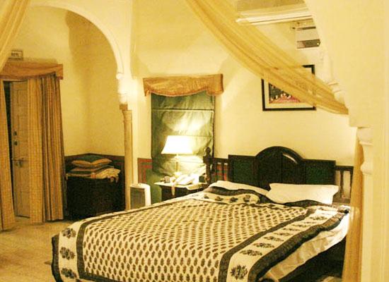 lal mahal palace jaipur bedroom