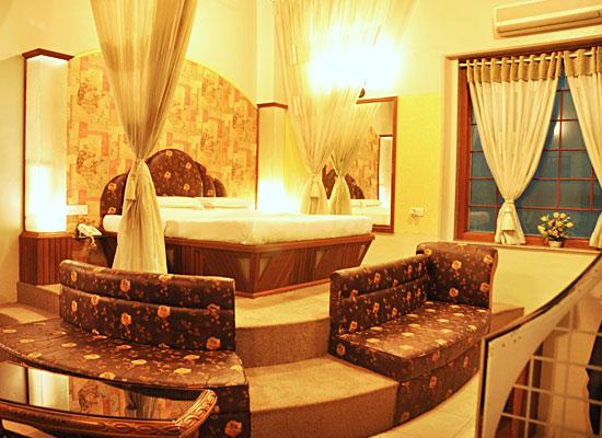 Hotel Aram jamnagar bedroom
