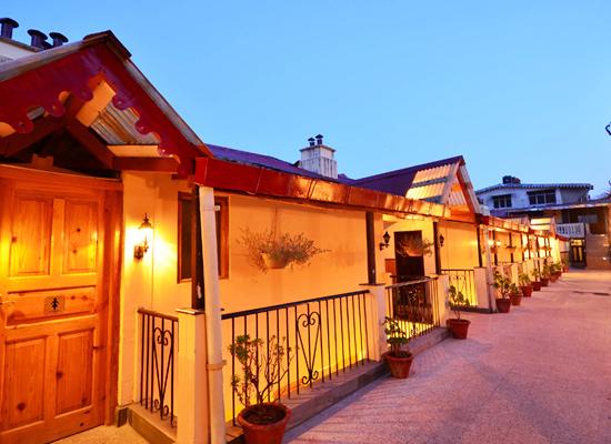 Hotel Himalayas nainital facade