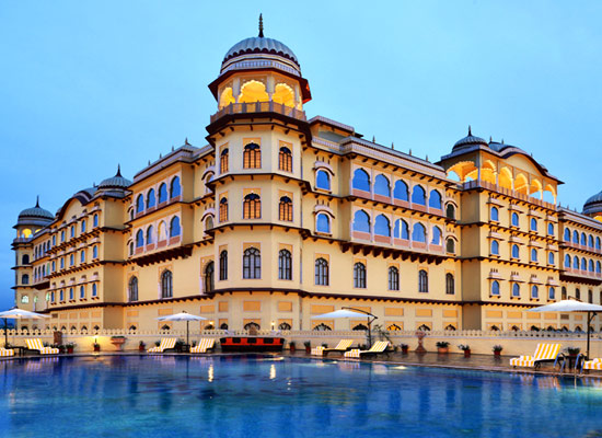 Noor Mahal karnal facade